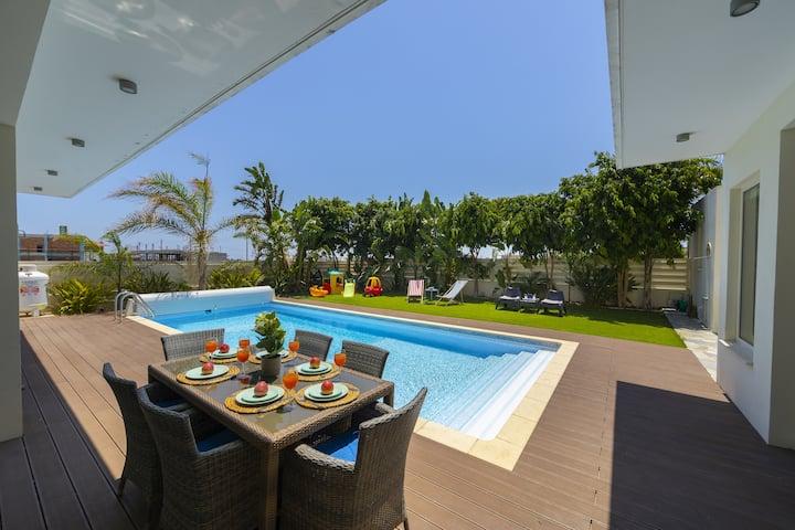 Marisol Modern villa near Kiti center in Larnaca
