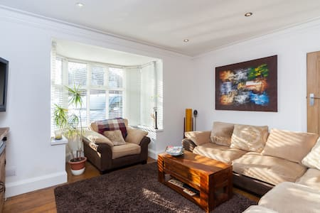 5 Bed Family House near Hove Park