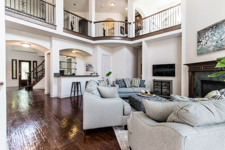 5 Bedroom Luxurious West Plano Home!