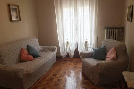 Appartamento spazioso a 100 m da Villa Igea.