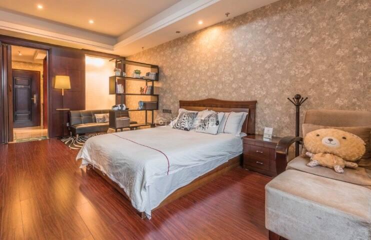 ❤️SOLO美宿 精装酒店式公寓 东港黄金地段 毗邻景区和码头