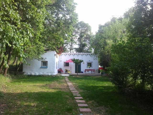 Quiet little house , Costa brava - Sant Joan de Mollet - Huis