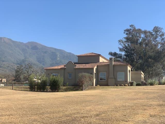 Increíble casa, vista a cerros, San Lorenzo, salta