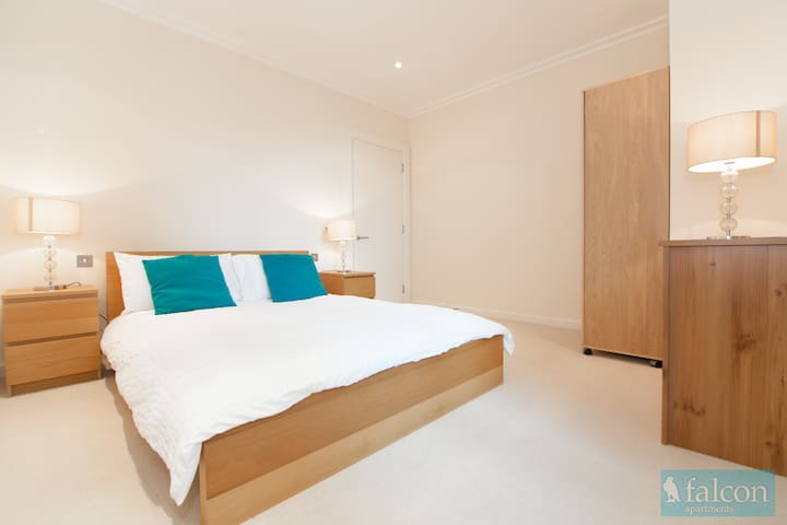 Large and comfy 2bed @ Canary Wharf