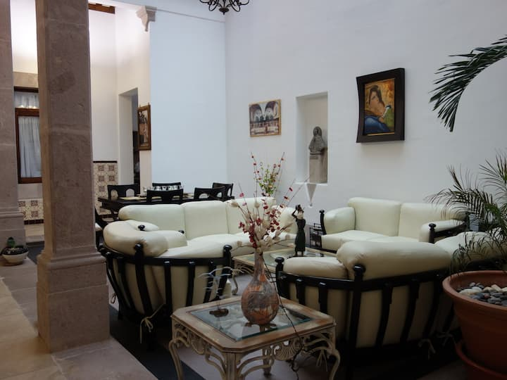 Easy Room #2 - Downtown Morelia