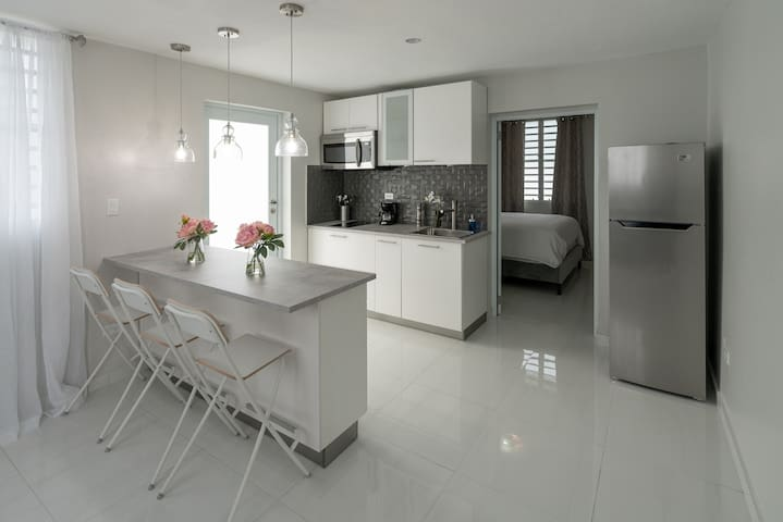 Modern apartment close to  airport and beach 1503