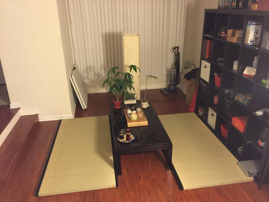 Tea room with 2 full size tatami mats