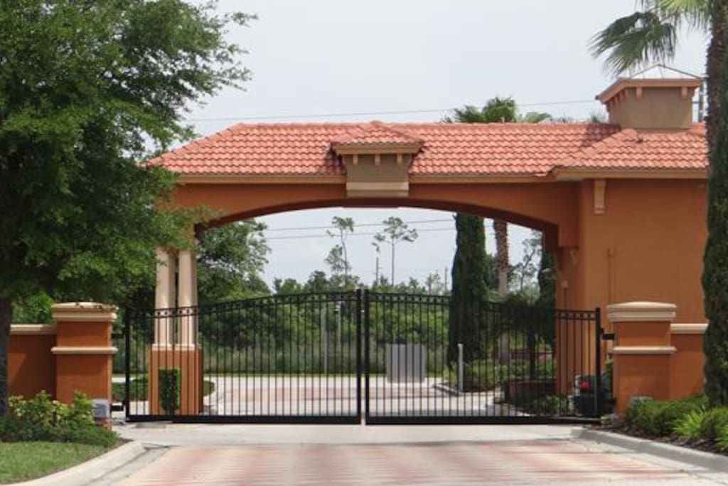 Gated community = security