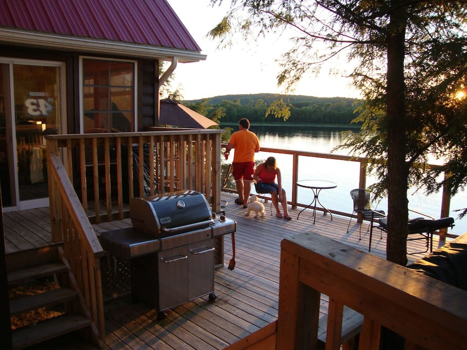 Elevated Deck  with Weber BBQ and propane supplied.