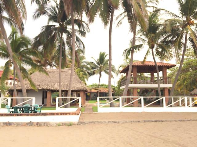 Costa Azul Beachfront House! - Metalio - House