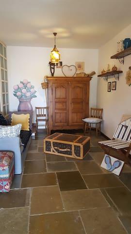 Stupendo studio (monolocale) in villa vista mare - Ustica - Flat