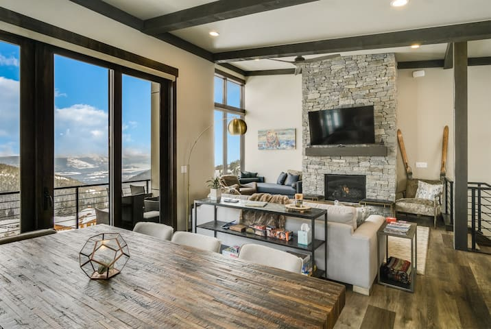 Welcome to Headwall Drive Brand New ski in/ski out Luxury