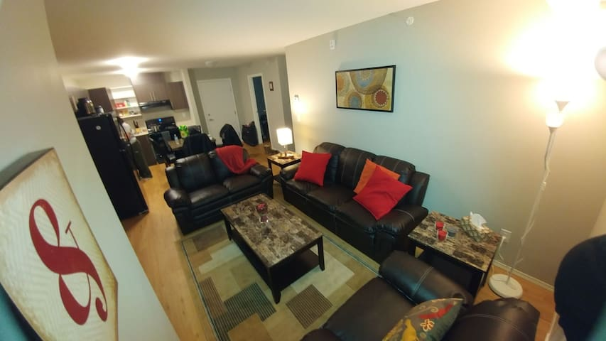 Beautiful Top Floor Apartment - Winnipeg - Departamento