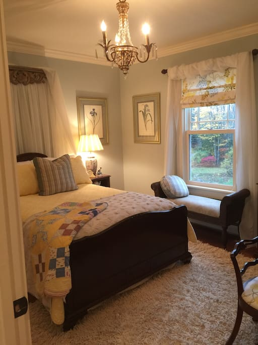 Beautiful, The Lupine Bedroom,cozy charming comfortable bedroom with beautiful antique furnishings, full size bed.