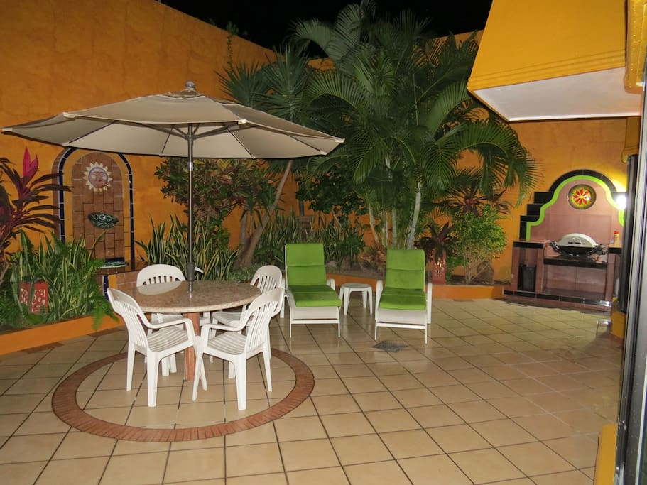 Private Garden Patio with BBQ
