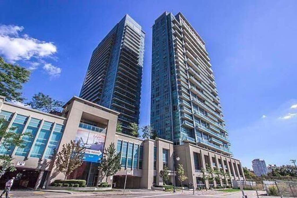 west end downtown condo parking views amenities. Black Bedroom Furniture Sets. Home Design Ideas