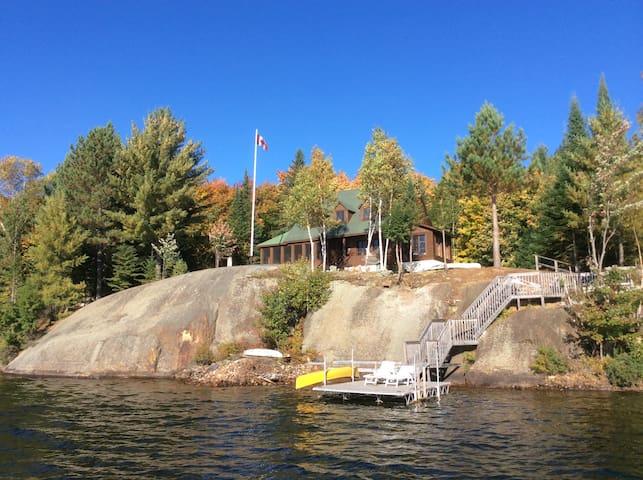 Mont-Tremblant Lakefront Paradise