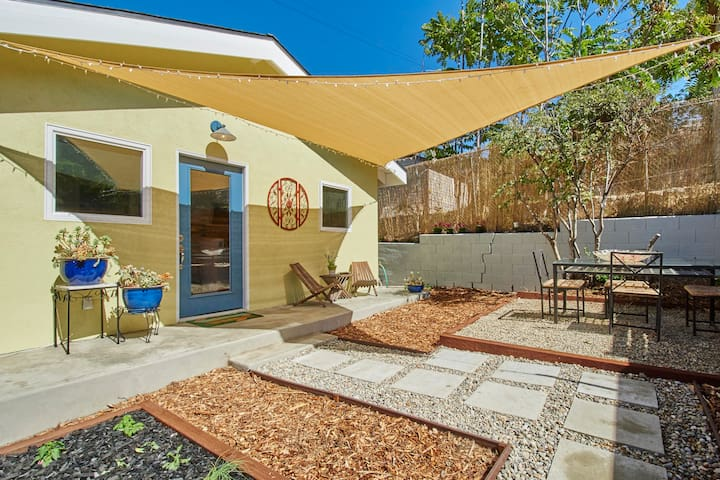 Charming & Private Guesthouse - Hip Highland Park