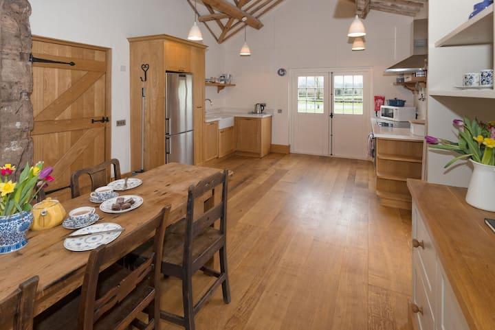 Mill Barn, Collfryn Farm Cottages