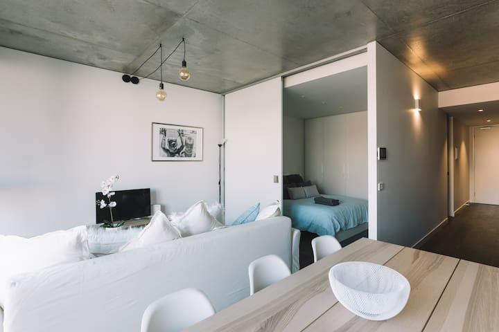 Designer Apartment - 5 min to CBD, St Kilda and Albert Park!