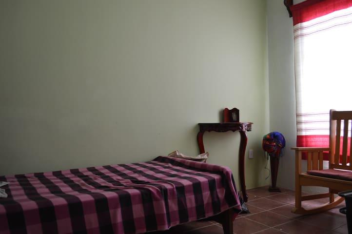 Rest House/Casa de Descanso - Santa María del Tule - Rumah