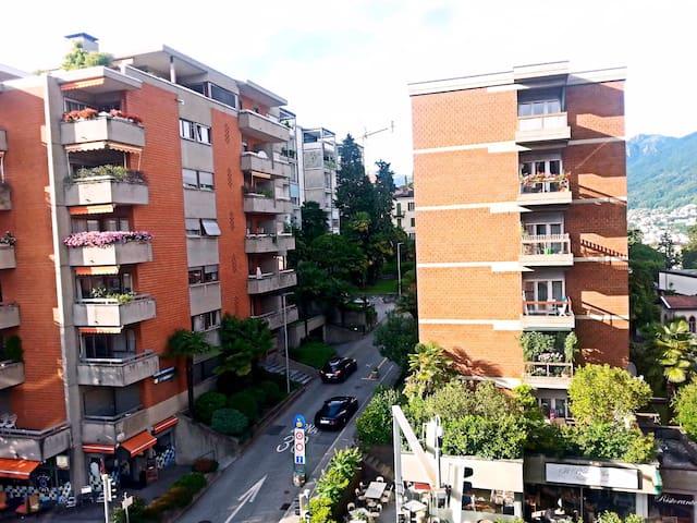 Cozy Apartment close to Lugano Station