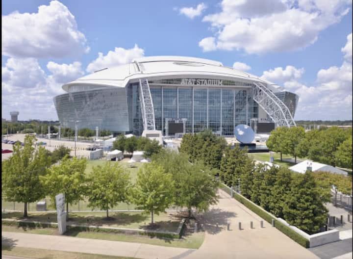 Walk to AT&T Stadium & 15 min to DFW Airport