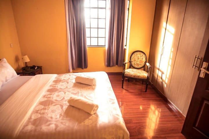 FOURWAYS JUNCTION LILAC VILLA - MASTER ROOM