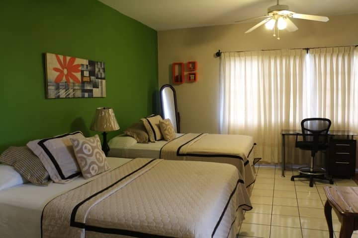 Suite with Pool y Excellent Residential Zone