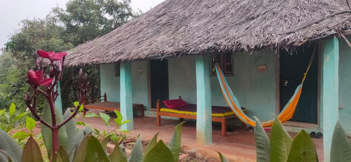 Murali Budget Room