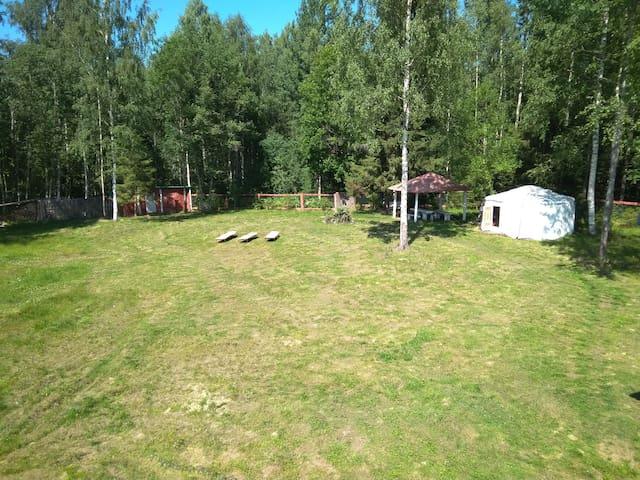 Сдаю зону отдыха в лесу на 6 чел