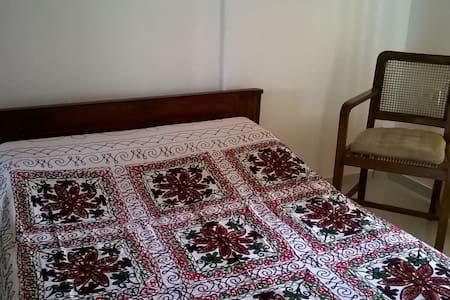 Independent apartment near Ginger hotel, Wakad. - Пуна