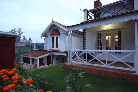 Pine View Stay - Nilgiris - Villa