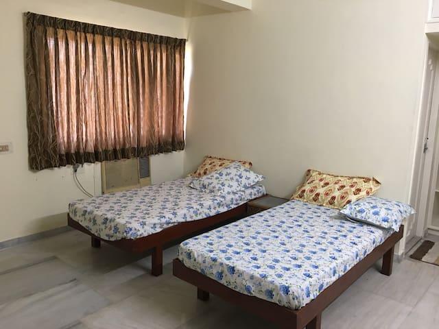 Spacious Serviced Apartment Flat no FF2