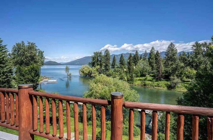 Breathtaking Whitefish Lake/River House, Dock