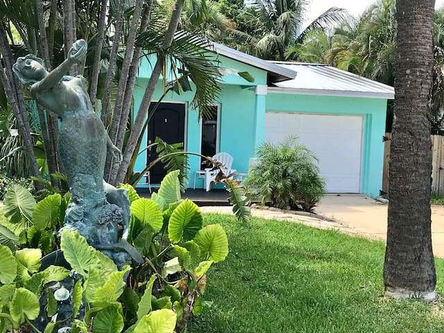The Captains Quarters of Delray Beach