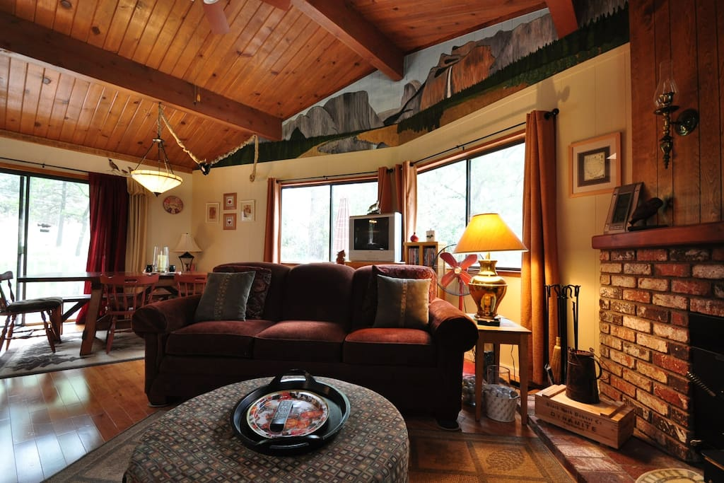 The Wolffs Den. Pine Mountain Lake Vacation Rental, located 25 miles from the entrance of Yosemite, Hwy 120 corridor. Unit 7 Lot 132