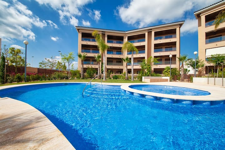 A modern luxury apartment 5 mins from Javea Arenal