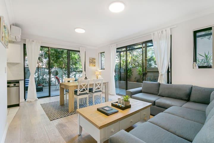 Bondi Beach Garden Apt + 2 bed+ 2 bath + parking
