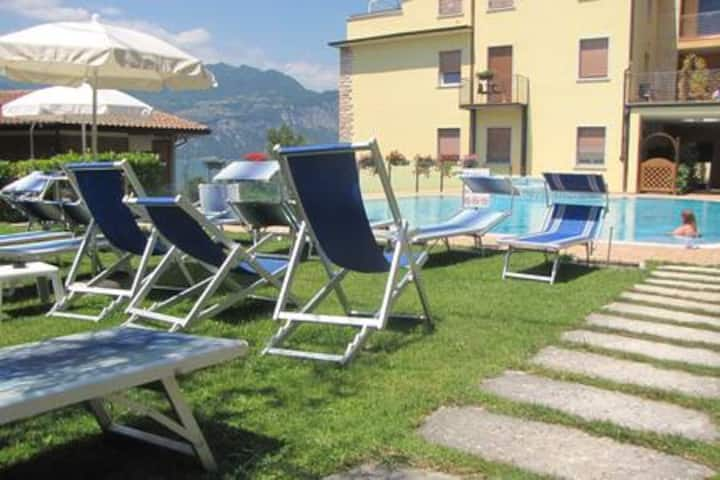New Studio Rosmari Prestige pool, terrace, lake