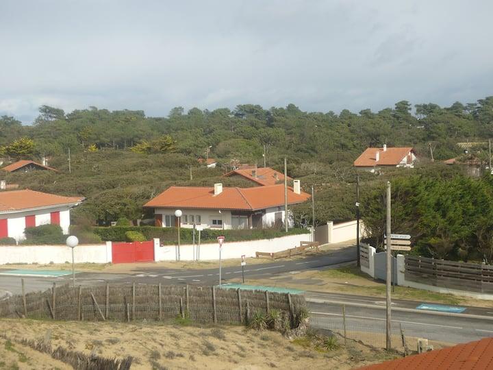 Villa  avec jardin clos au pied de la dune