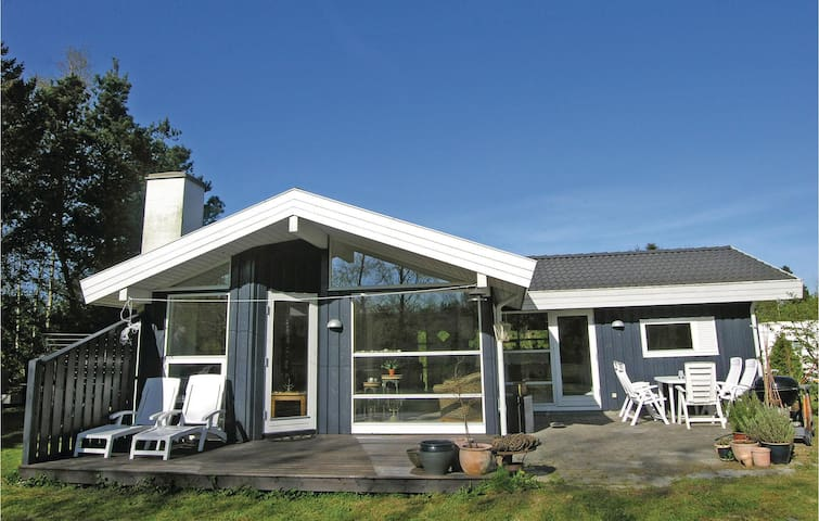 Holiday cottage with 3 bedrooms on 88m² in Græsted