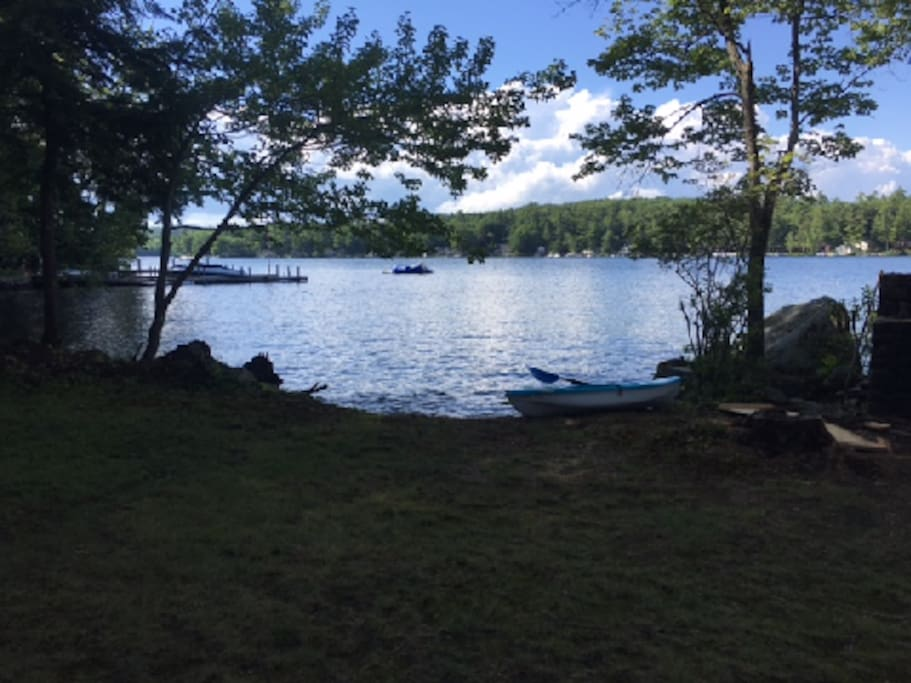 Welcome to Heaven! Gorgeous lake front property with 10 kayaks, rowboat and a paddle boat for your use