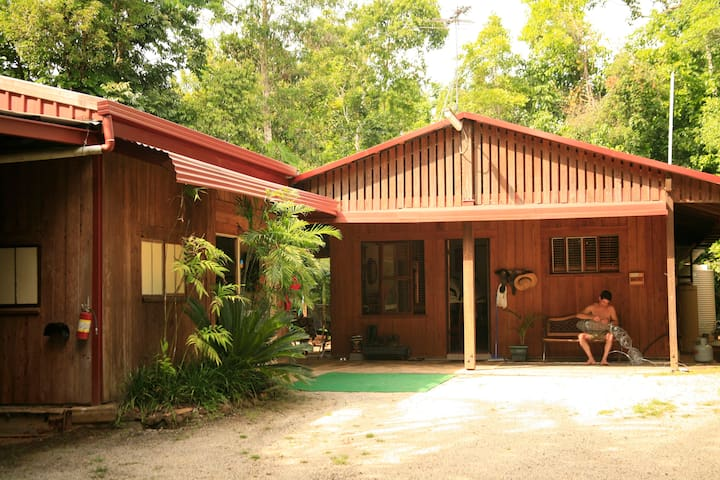 Tropical Bliss  Bed and Breakfast - Utchee Creek - Bed & Breakfast
