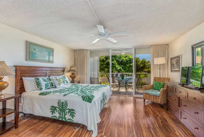 CLIFFS AT PRINCEVILLE #1208B AFFORDABLE HOTEL ROOM WITH KING BED
