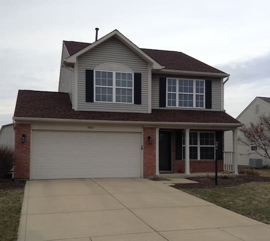 25 minutes to Indy, 3 bed, 3 bath - Фишерс - Дом