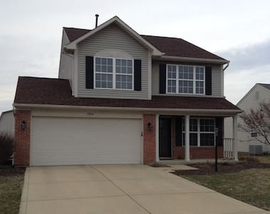 25 minutes to Indy, 3 bed, 3 bath - Fishers - Talo