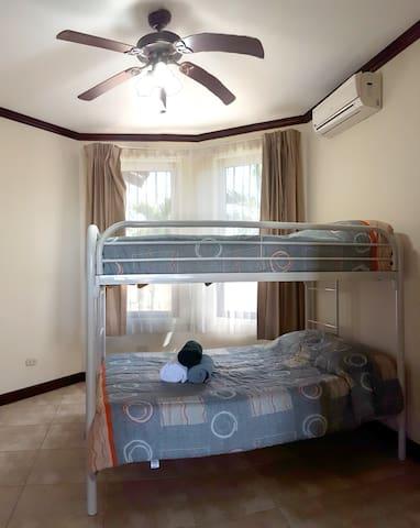 1st floor guestroom