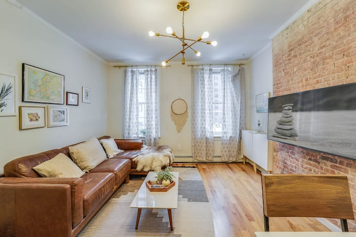 Designer Renovated Hoboken 1 Bed close to NYC