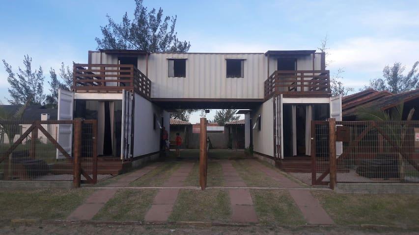 Casas Containers próximo a Arrancada de Caminhões